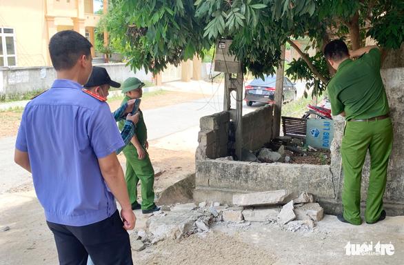 Tường đổ đè chết học sinh: 'Trường biết tường hư hỏng nhưng chưa có tiền sửa' - Ảnh 2.
