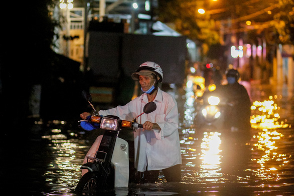 Vào cao điểm mưa bão, Biển Đông có thể bão dồn dập - Ảnh 1.