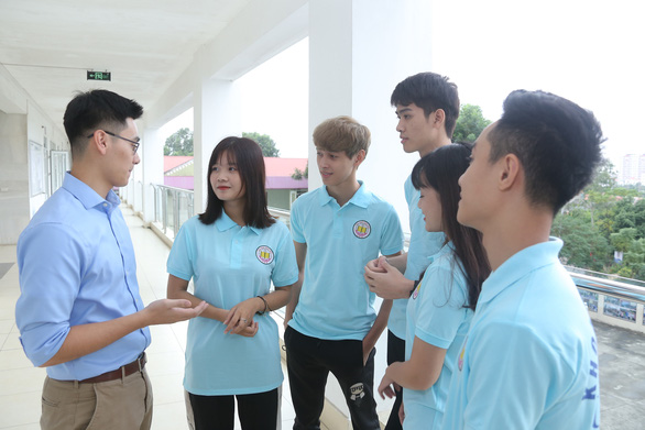 Đại học Kinh Bắc cùng thí sinh thay đổi nguyện vọng - Ảnh 1.
