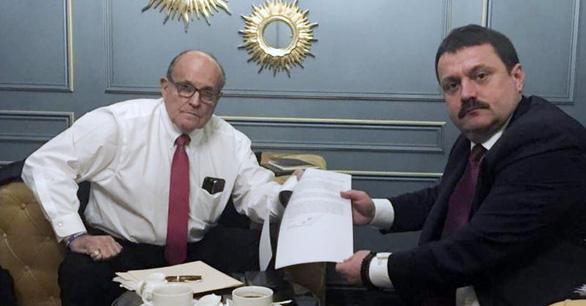 Bộ Tài chính Mỹ trừng phạt đặc vụ Nga cố dìm ông Biden - Ảnh 1.