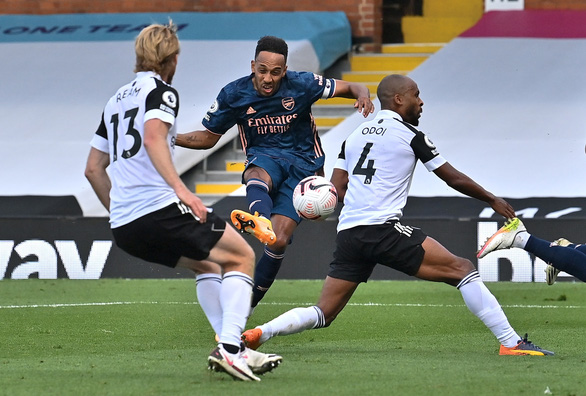 Tân binh Willian lập cú đúp kiến tạo, Arsenal thắng dễ ngày khai mạc Premier League - Ảnh 4.