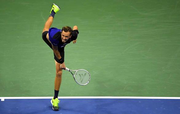 Đánh bại Medvedev, Dominic Thiem lần đầu vào chung kết Mỹ mở rộng - Ảnh 2.