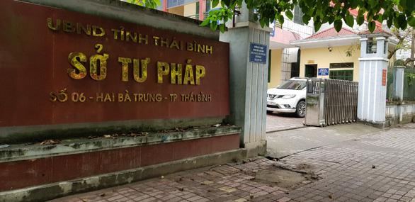 Một cán bộ Trung tâm dịch vụ đấu giá tài sản tỉnh Thái Bình bị bắt vì tham ô - Ảnh 1.