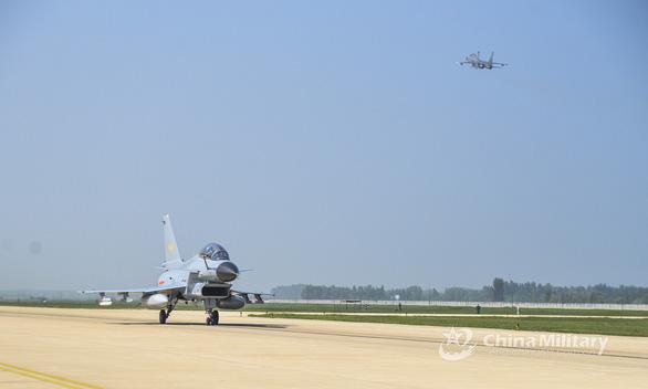 21 máy bay chiến đấu Trung Quốc vào vùng nhận dạng phòng không Đài Loan 48 lần - Ảnh 2.