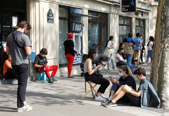 Dịch COVID-19 ngày 13-9: Pháp ghi nhận hơn 10.000 ca nhiễm trong ngày - Ảnh 1.