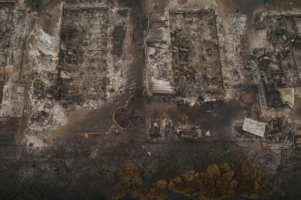 Thời tiết thay đổi đem lại hi vọng kiểm soát cháy rừng tại Mỹ - Ảnh 1.