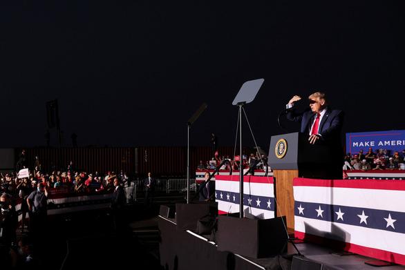 Ông Trump tung hỏa mù: Sẽ thảo luận để làm tổng thống thêm 2 nhiệm kỳ - Ảnh 1.