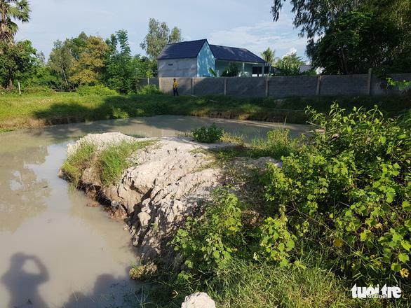 Đi tắm ở hồ nước sau vườn, 5 đứa trẻ chết đuối thương tâm - Ảnh 1.