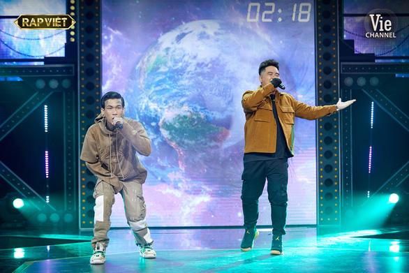 Đối đầu của Rap Việt: Suboi tung Nón Vàng cứu R.I.C - Ảnh 1.