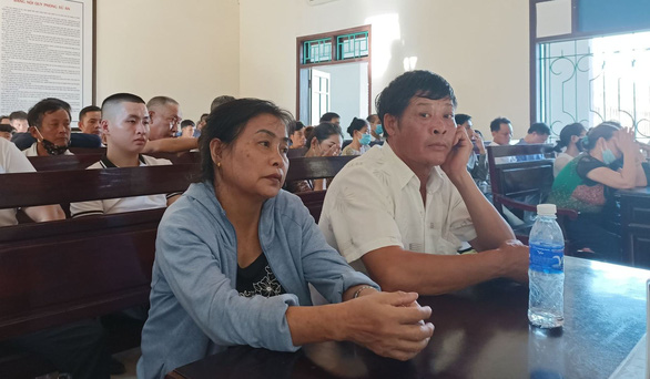 Vụ 39 người Việt chết ở Anh: 4 bị cáo lãnh án tù giam - Ảnh 2.