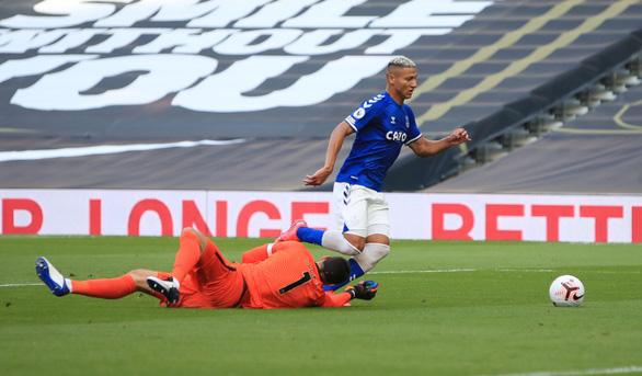 Tottenham của Mourinho 'phơi áo' trước Everton ở trận ra quân mùa giải mới - Ảnh 1.