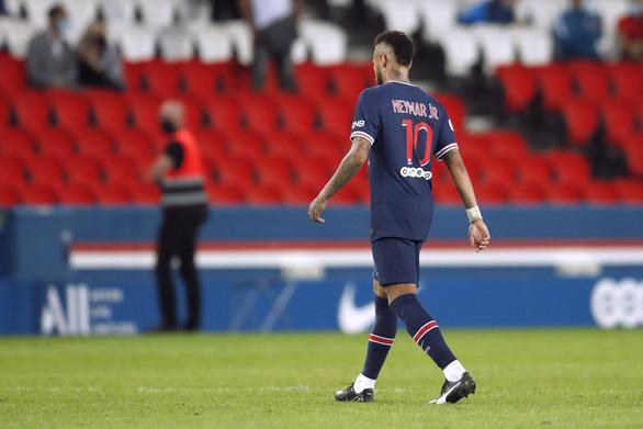 Sốc: Đánh nhau phút 90+6, trọng tài rút 5 thẻ đỏ và Neymar bị đuổi vì đánh nguội - Ảnh 3.