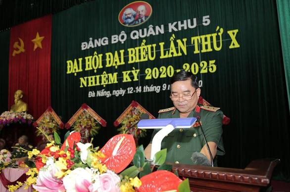 Trung tướng Trịnh Đình Thạch được bầu làm bí thư Đảng ủy Quân khu 5 - Ảnh 1.