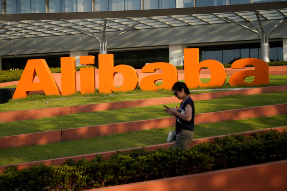 Bloomberg: Alibaba đang đàm phán đầu tư 3 tỉ USD vào Grab - Ảnh 1.