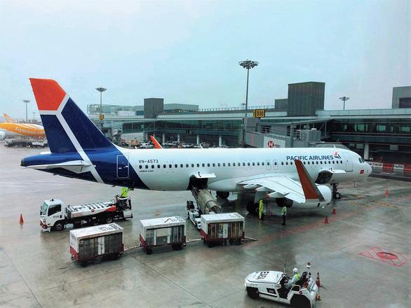 Thêm hãng bay tham gia đưa công dân Việt hồi hương - Ảnh 1.