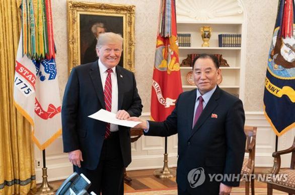 Ông Trump và ông Kim Jong Un đã gửi cho nhau 27 lá thư - Ảnh 1.