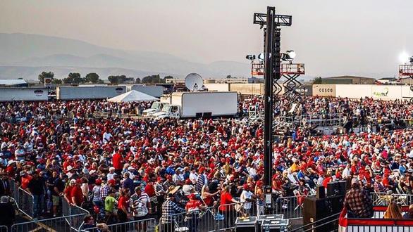 Tổng thống Mỹ vận động marathon, chỉ trích phe Dân chủ chơi xấu, ăn gian - Ảnh 1.