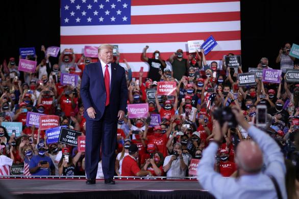 Công ty tổ chức vận động tranh cử cho ông Trump đối mặt án phạt 3.000 USD - Ảnh 1.