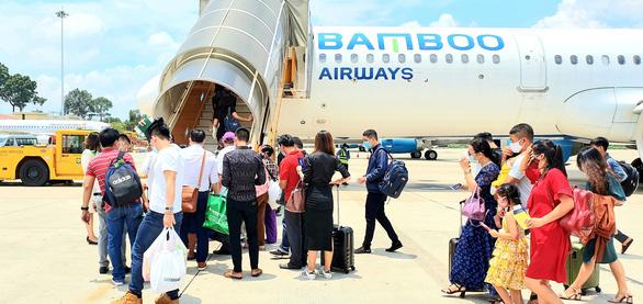 Vietnam Airlines, Vietjet Air tăng chuyến nội địa - Ảnh 1.