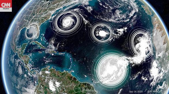 5 cơn bão và áp thấp nhiệt đới cùng lúc trên Đại Tây Dương - Ảnh 1.