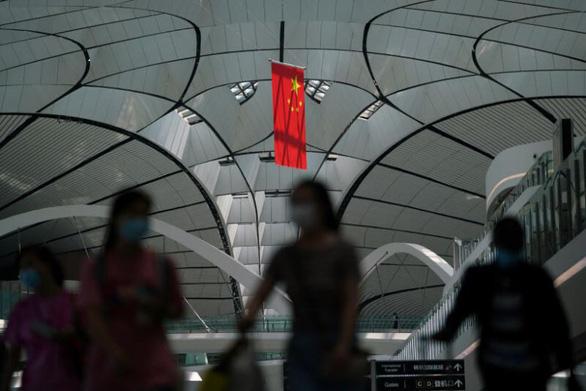 Mỹ hạ cảnh báo đi lại tới Trung Quốc, lưu ý dân về nguy cơ bị bắt giữ tùy ý - Ảnh 1.