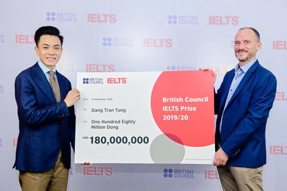 Thầy giáo 4 lần đạt điểm tuyệt đối IELTS nhận học bổng của Hội đồng Anh - Ảnh 1.