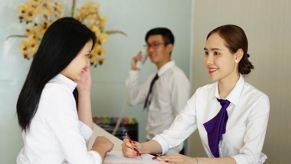 Học Quản trị khách sạn tại khách sạn 4-5 sao tiêu chuẩn quốc tế lại có lương - Ảnh 1.