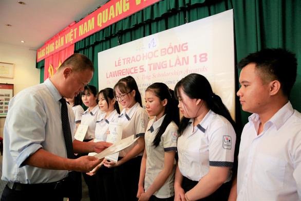 Quỹ Lawrence S. Ting và Công ty Phú Mỹ Hưng trao học bổng hơn 8,5 tỷ đồng - Ảnh 1.