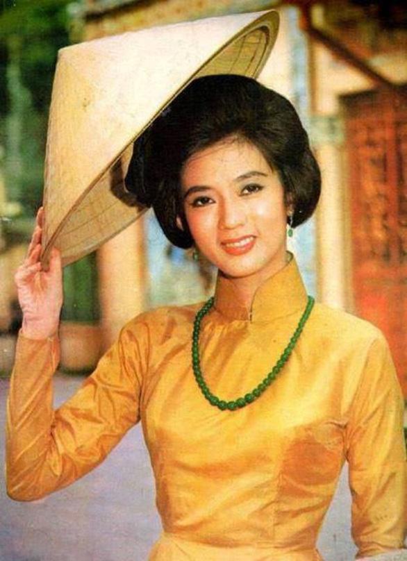 Cháu gái Hồng Loan làm hồi ký video về nữ hoàng sân khấu Thanh Nga - Ảnh 2.