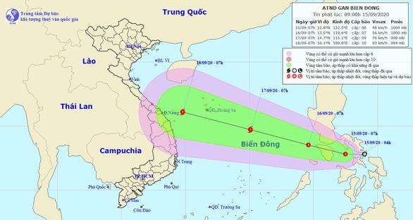 Áp thấp nhiệt đới hướng vào Biển Đông, dự báo mạnh thành bão - Ảnh 1.