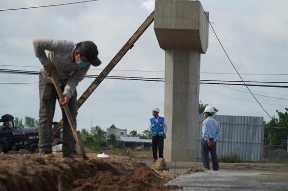 Dân miền Tây có thể về quê đón tết Tân Sửu bằng cao tốc Trung Lương - Mỹ Thuận - Ảnh 1.