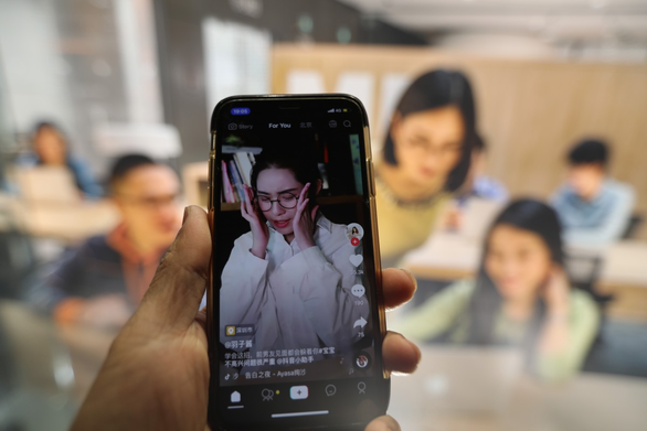 Báo Trung Quốc lý giải chuyện TikTok bị ép: Mỹ lép vế về công nghệ thuật toán - Ảnh 1.