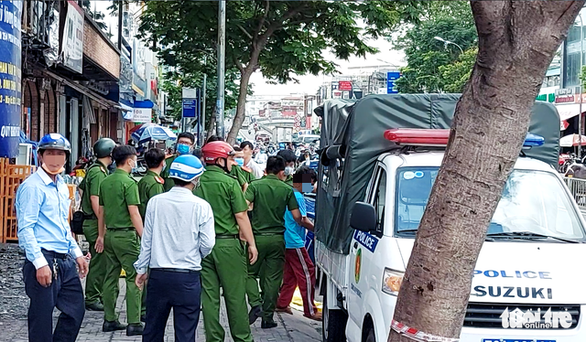 Thực nghiệm hiện trường vụ cháy chi nhánh Ngân hàng Eximbank ở Gò Vấp - Ảnh 5.