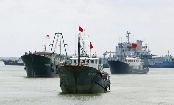 Trung Quốc đang khai thác quá mức ở Biển Đông - Ảnh 1.