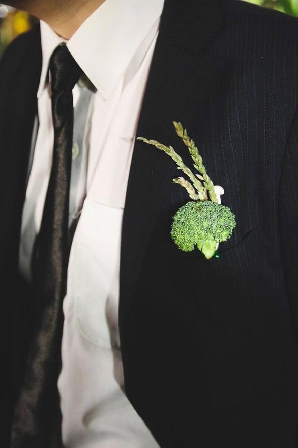 Đám cưới xanh: hoa, đồ trang trí làm từ... rau củ quả - Ảnh 4.