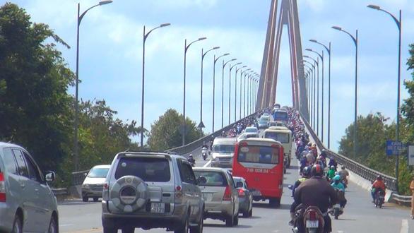 Các bộ đồng tình xây cầu Rạch Miễu bằng vốn ngân sách - Ảnh 2.
