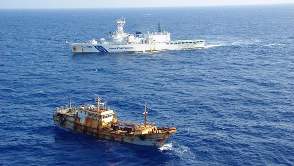 Nghị sĩ Nhật đề xuất tổ chức tập trận chung với Mỹ ở biển Hoa Đông - Ảnh 1.