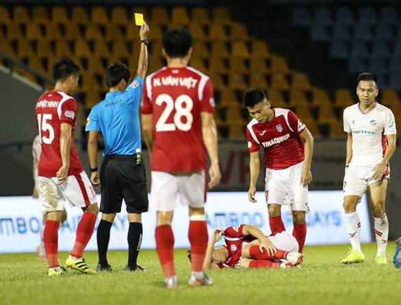 Nhận thẻ vàng lãng xẹt, Khắc Ngọc nghỉ đá chung kết Cúp quốc gia 2020 - Ảnh 1.