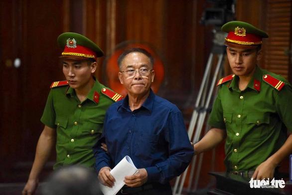 Cựu phó chủ tịch UBND TP.HCM Nguyễn Thành Tài bị đề nghị 8-9 năm tù - Ảnh 1.