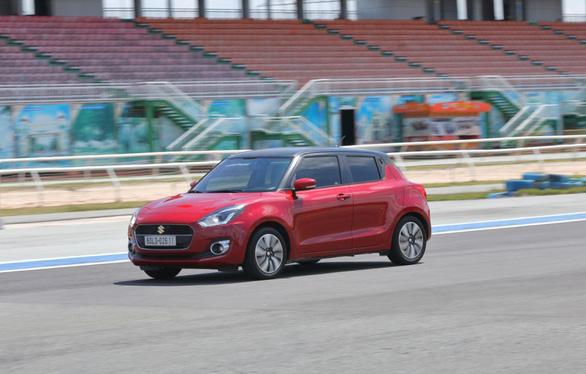 Suzuki Swift, sức hấp dẫn của chiếc xe đô thị năng động hiện đại - Ảnh 3.