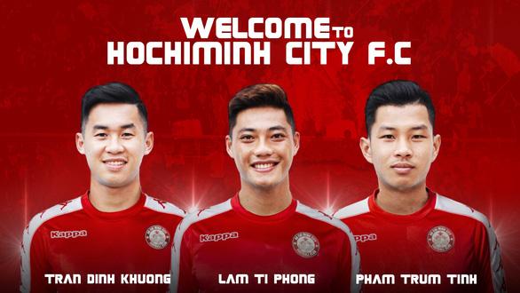 CLB TP.HCM bỏ 10 tỉ đồng mua 3 cầu thủ Khánh Hòa - Ảnh 1.