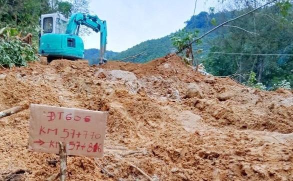 Bão đi vào giữa Quảng Trị - Thừa Thiên Huế, giảm cường độ còn cấp 7-8 - Ảnh 12.