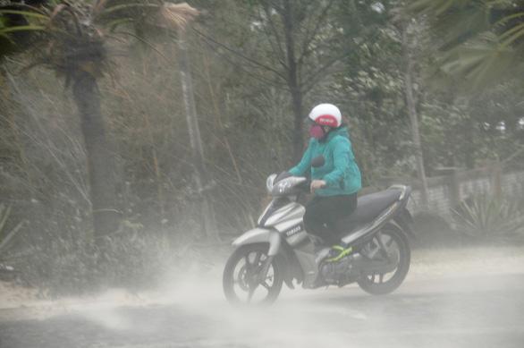 Bão số 5 vào Quảng Bình - Thừa Thiên Huế, suy yếu thành áp thấp nhiệt đới - Ảnh 10.