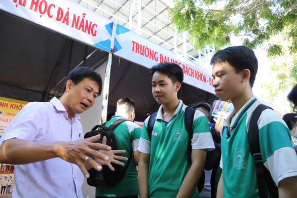 Điểm sàn xét tuyển các trường thành viên Đại học Đà Nẵng tăng 1-3 điểm - Ảnh 1.