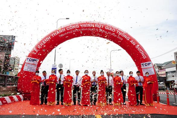 TP.HCM khánh thành nút giao thông An Sương, giải tỏa ùn tắc cửa ngõ Tây Bắc - Ảnh 2.