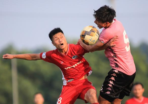 Văn Hậu đá chính sau nửa năm, Hà Nội FC đánh bại Viettel - Ảnh 1.
