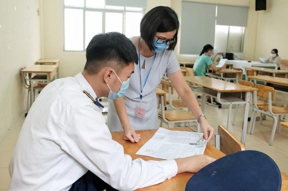 Phụ huynh và thí sinh lo lắng trước kỳ thi THPT đợt 2 - Ảnh 7.
