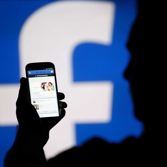 Úc quyết chặn Facebook, Google bóc lột báo chí - Ảnh 1.