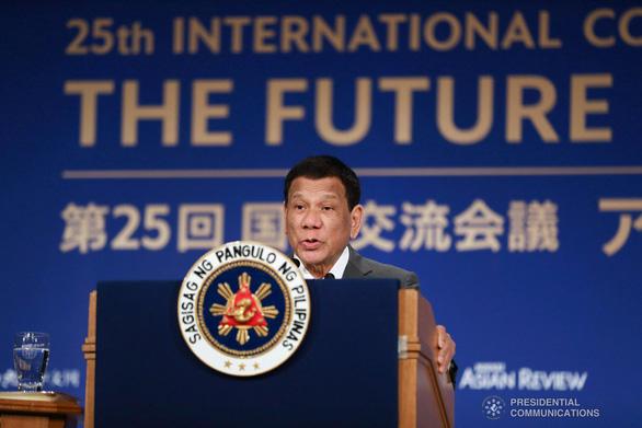 Ông Duterte từ chối theo Mỹ phạt 24 công ty Trung Quốc xây đảo nhân tạo - Ảnh 1.