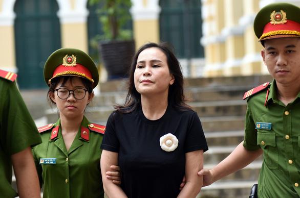 Ông Nguyễn Thành Tài lãnh án 8 năm tù, bà Lê Thị Thanh Thúy 5 năm tù - Ảnh 5.